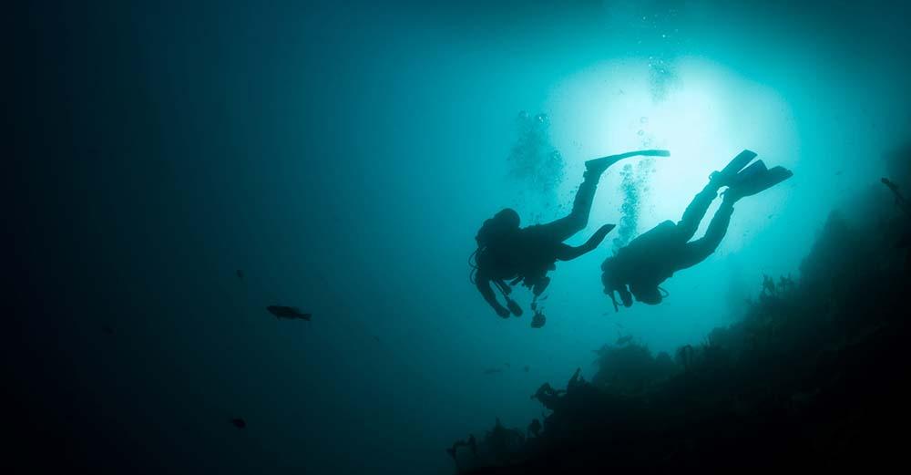 Safe Night Diving